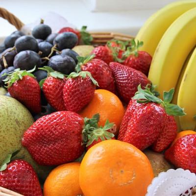 products_4372437-fruit-basket-still-life-healthy.jpg